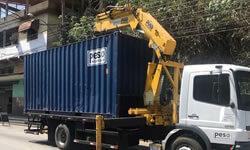 Içamento e Transporte de Container com Caminhão Munck